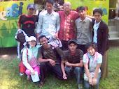 مع الأصدقاء فى الحديقة