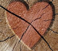 http://2.bp.blogspot.com/-pD-KE1rUjEo/T1AC325xpPI/AAAAAAAAHkk/-csfo0LLNlU/s320/corazon+roto.jpg