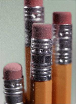 crayons à papier avec gommes