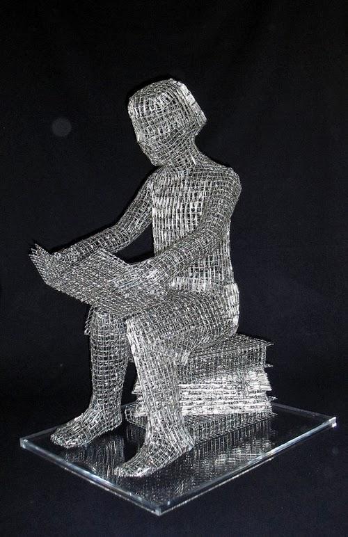 06-Homework-Italian-Artist-Pietro-DAngelo-Paper-Clips-Sculptures-www-designstack-co