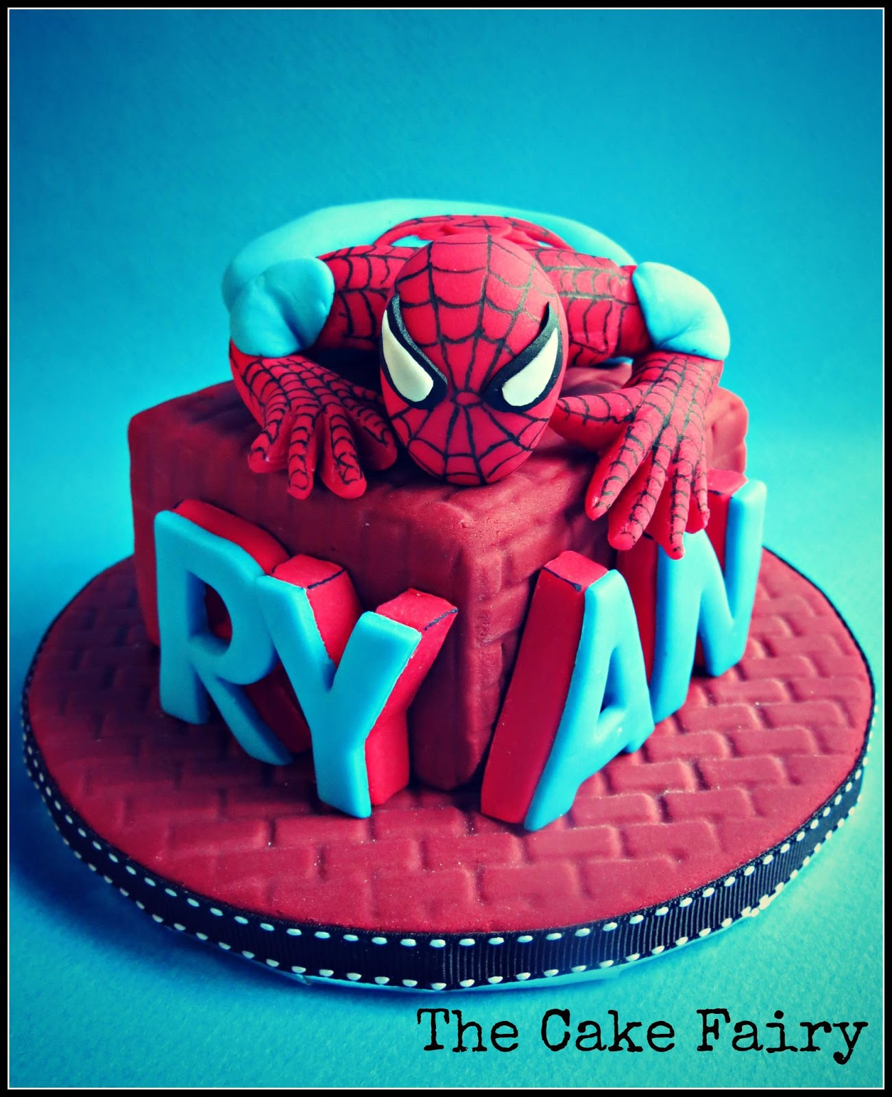 Cake Design Para Homem : Artsy Craftsy Me: Spiderman and Avengers themed birthday ...