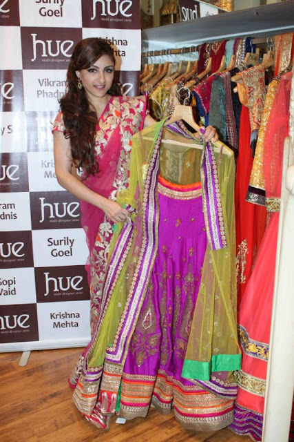 Soha Ali Khan at 'Hue' New Collections launch