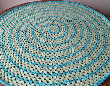 Spiral Round Granny Blanket