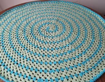 Spiral Round Granny Blanket