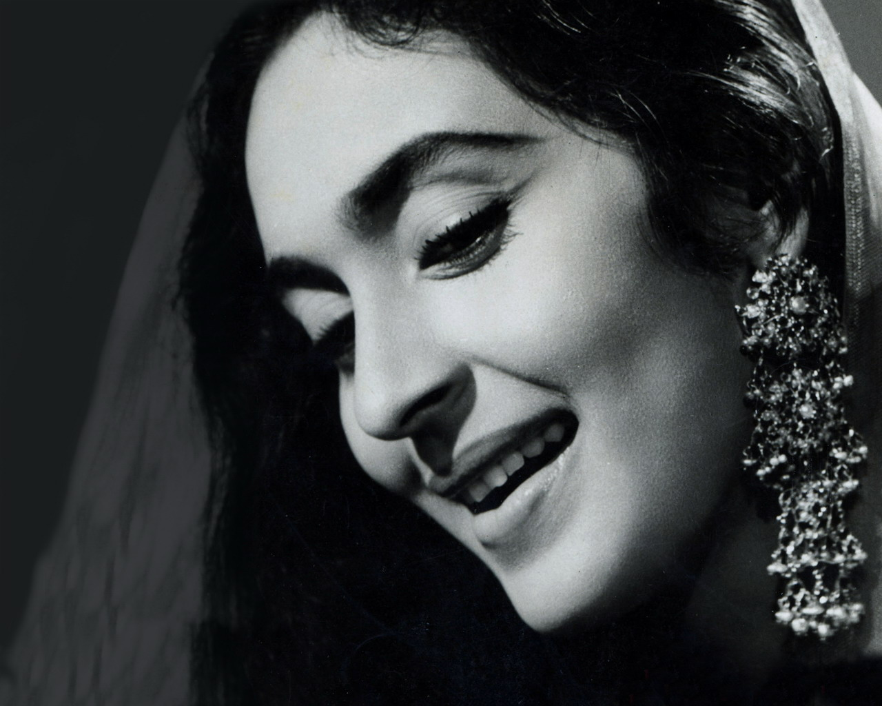 portrait of hindi movie actress nutan - old indian photos