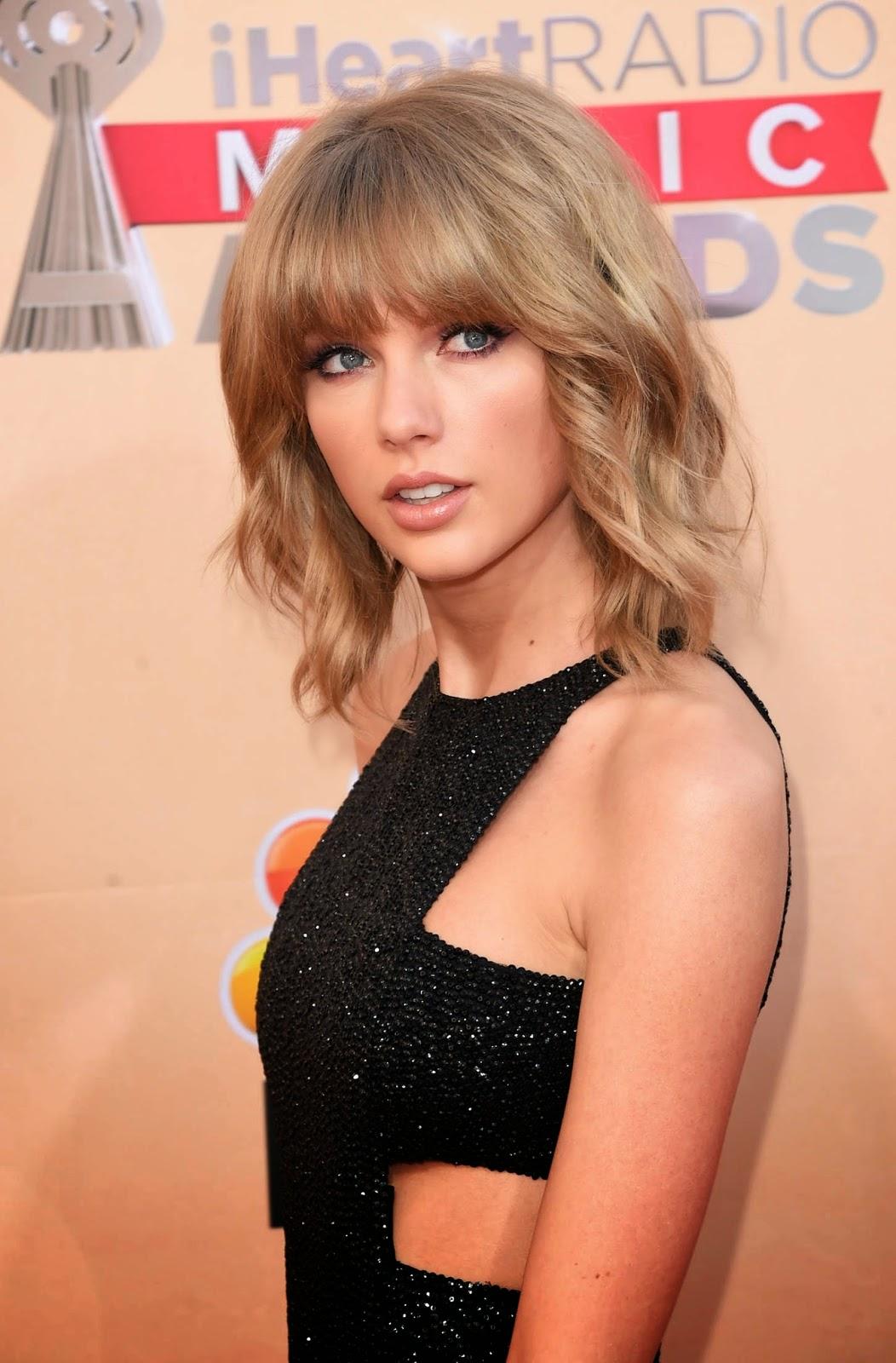 Taylor Swift: 2015 iHeartRadio Music Awards
