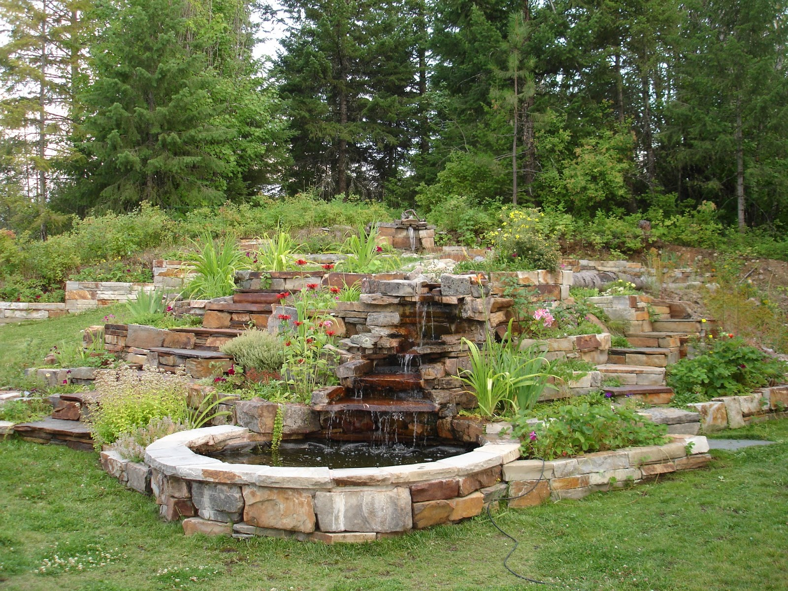 Keystone Masonry RAISED GARDEN BEDS AND WATER FEATURES
