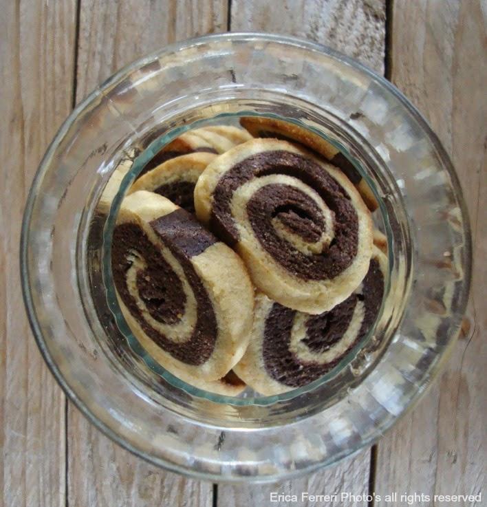 Biscotti girella panna e cacao