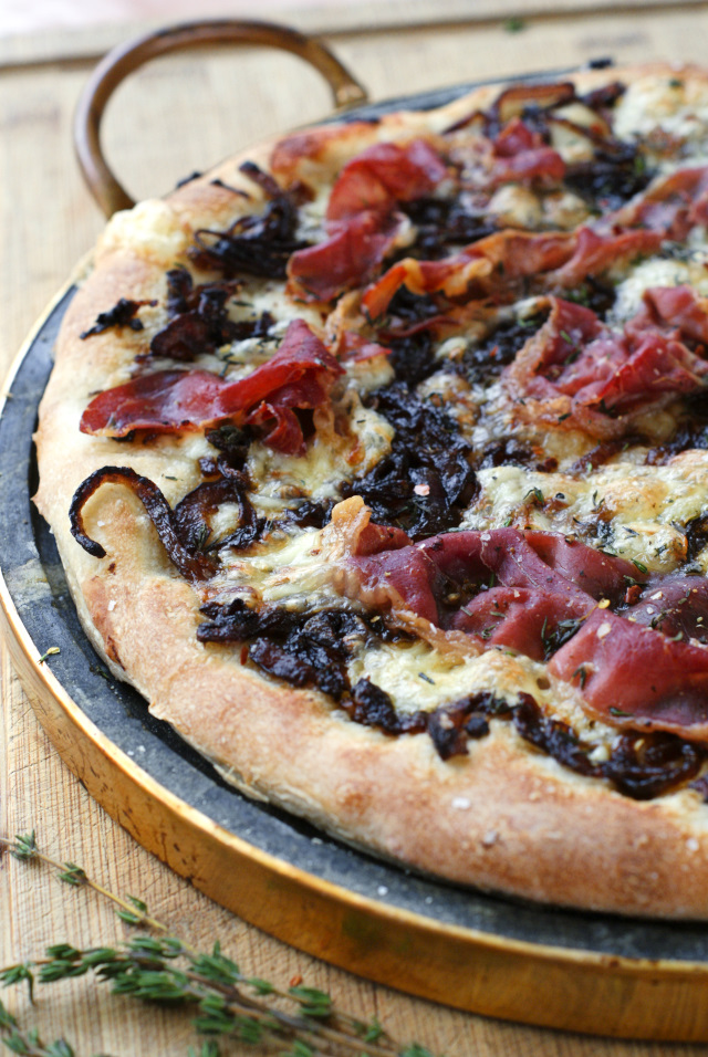 Brie, Prosciutto, and Caramelized Onion Pizza {and a ...