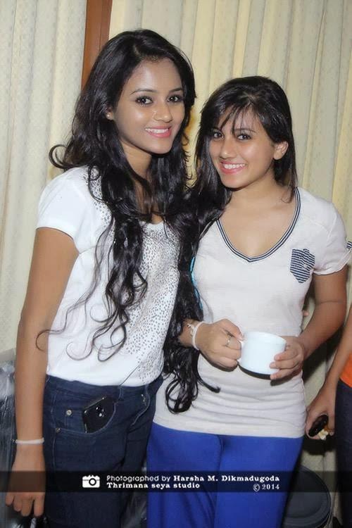 Dinakshie Shanudri sisiters
