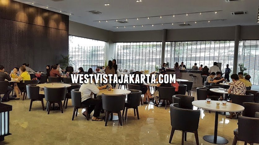 Beberapa calon pembeli apartemen West Vista Jakarta
