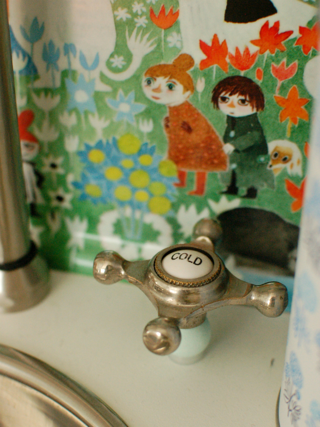 mint play kitchen - vintage faucet handle