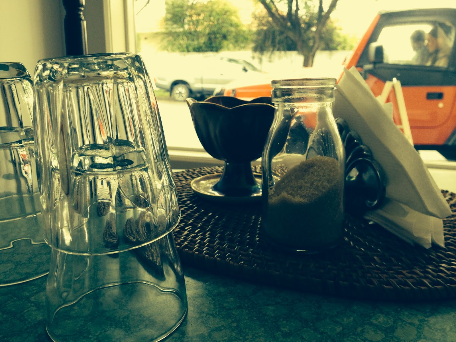 Table setting at Nettle Raw Cafe, West Croydon