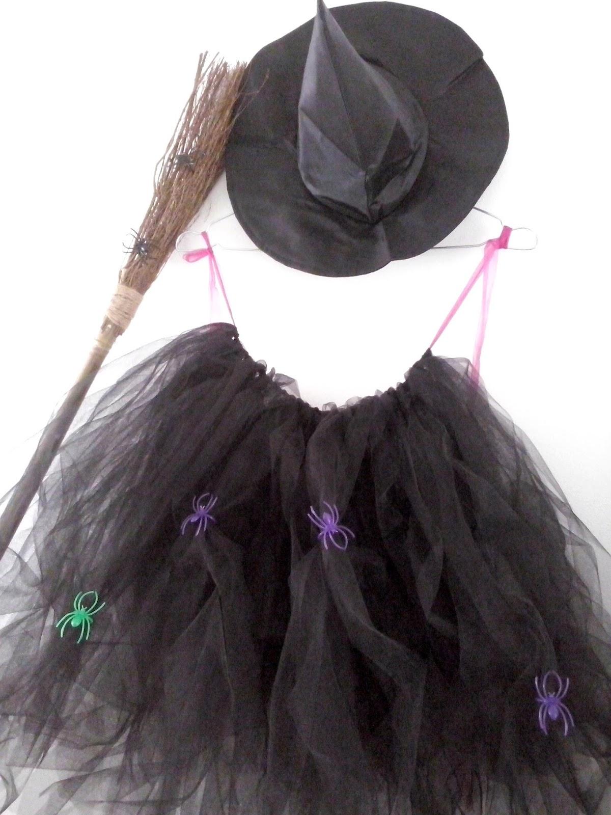 Un peu attachante mais beaucoup chiante l 39 attachiante diy halloween fabriques ta jupe - Deguisement sorciere fait maison ...