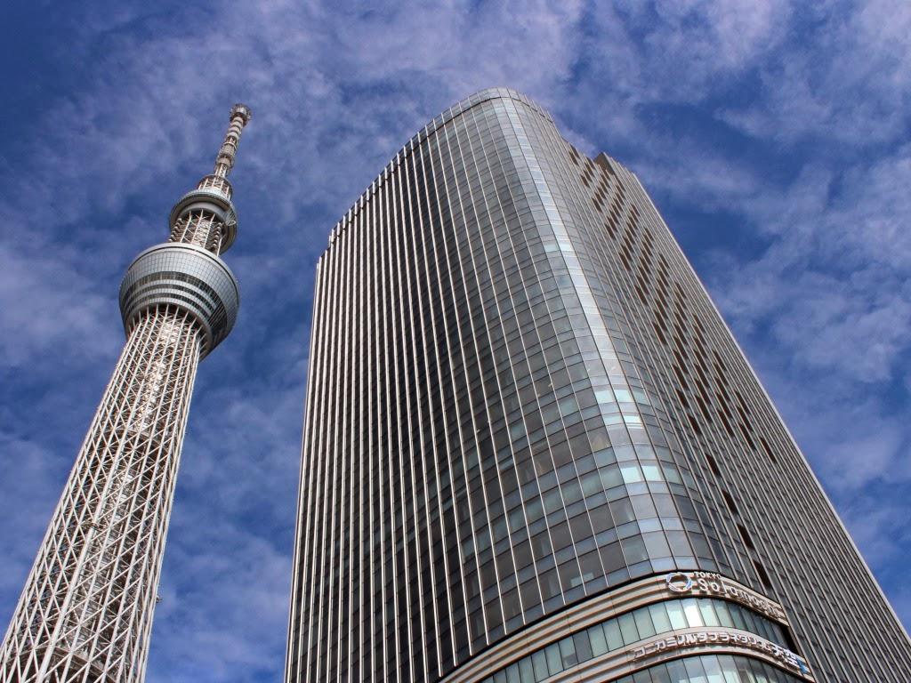 """<img src=""""http://2.bp.blogspot.com/-pEKSF0YwO5Y/Us7CGiyOkpI/AAAAAAAAHRY/n6ILWsw2IXg/s1600/g.jpeg"""" alt=""""skyscrapers wallpapers"""" />"""