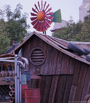 Disney Cars Land DCA Mater's house Junkyard Jamboree