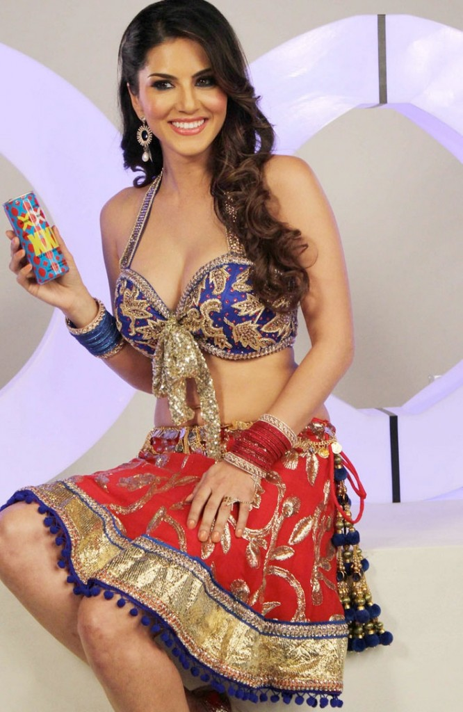 sunny leone sexy clevage photos for xxx energy drink