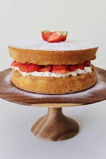 Victoriataart met aardbeien
