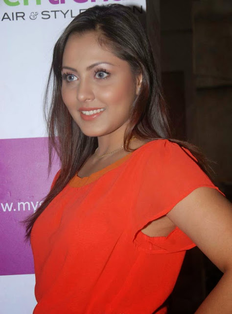 Actress Madhu Shalini Hot Photo