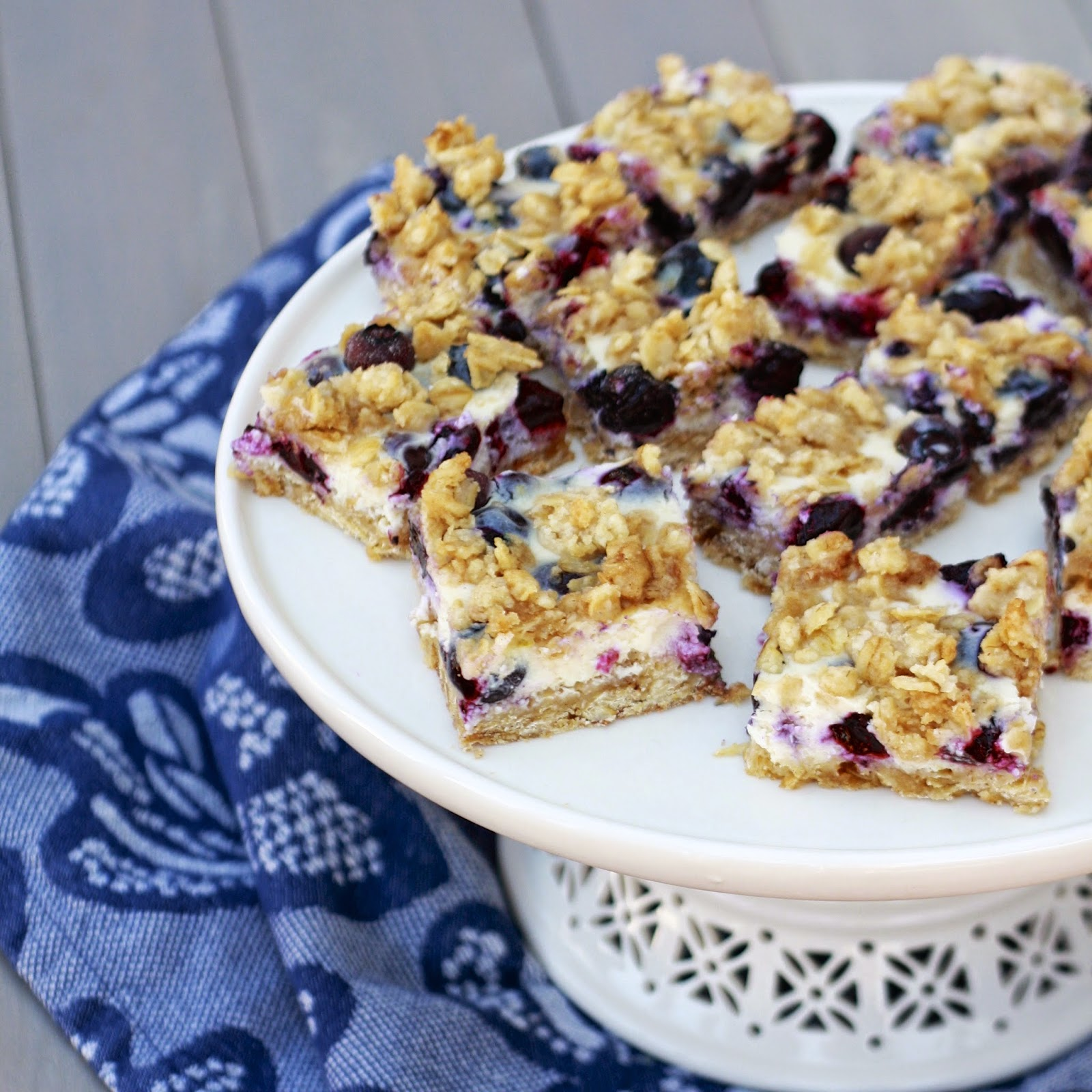 Blueberry Oatmeal Bars | The Sweets Life