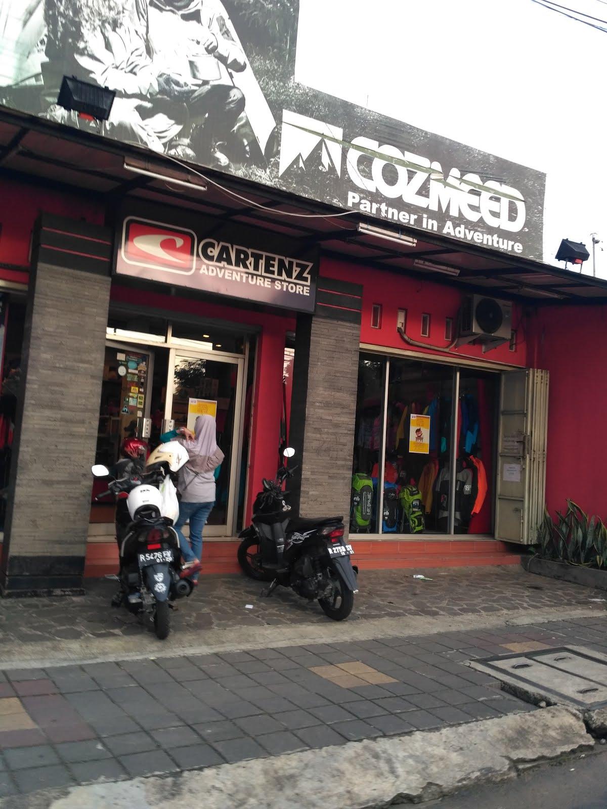 Cozmeed Store merupakan toko outdoor yang cukup lama menjadi penyedia perlengkapan naik gunung dari brand Cozmeed Toko ini dapat anda temukan di alamat