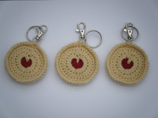 Crochet Jammy Dodger Keyrings