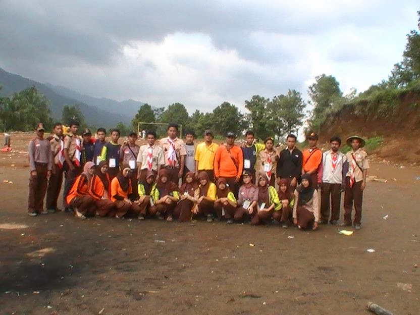 http://dzakiron.blogspot.com/2013/12/mengenang-tim-sukses-perkemahan-jambore.html