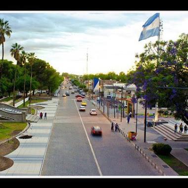 Ciudad Cabecera del Dpto de Gral San Martin . Av. Alem (Ruta Prov 50)