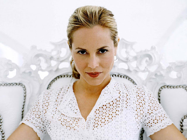 Maria Bello have a beautiful face