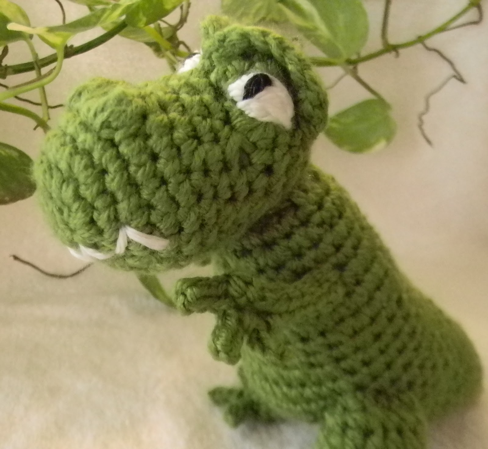 Crochet Patterns Free Doll Clothes : Bizzy Crochet: Bubba the T-Rex