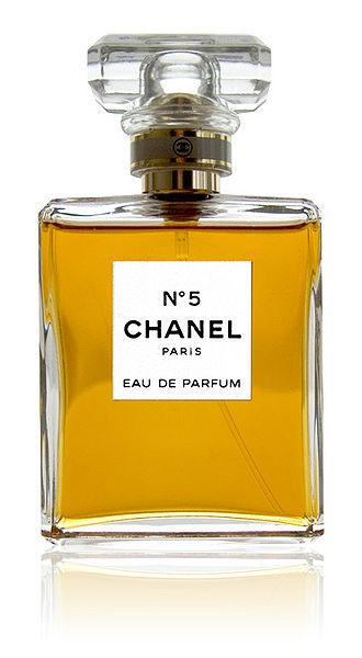 b9789146cfb Foi o primeiro perfume da Maison Chanel