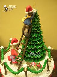 Arbol de Navidad con niños en cerámica