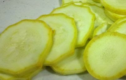 Dehydrating yellow squash, summer squash, dehydrating vegetables,