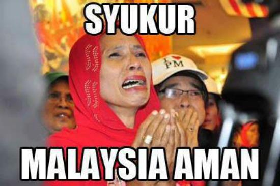 http://2.bp.blogspot.com/-pFmTXbkTuvU/Uhty71PqUuI/AAAAAAAAb5U/wWEEBV5NrQM/s1600/umno+-+malaysia+aman,syukor.jpg