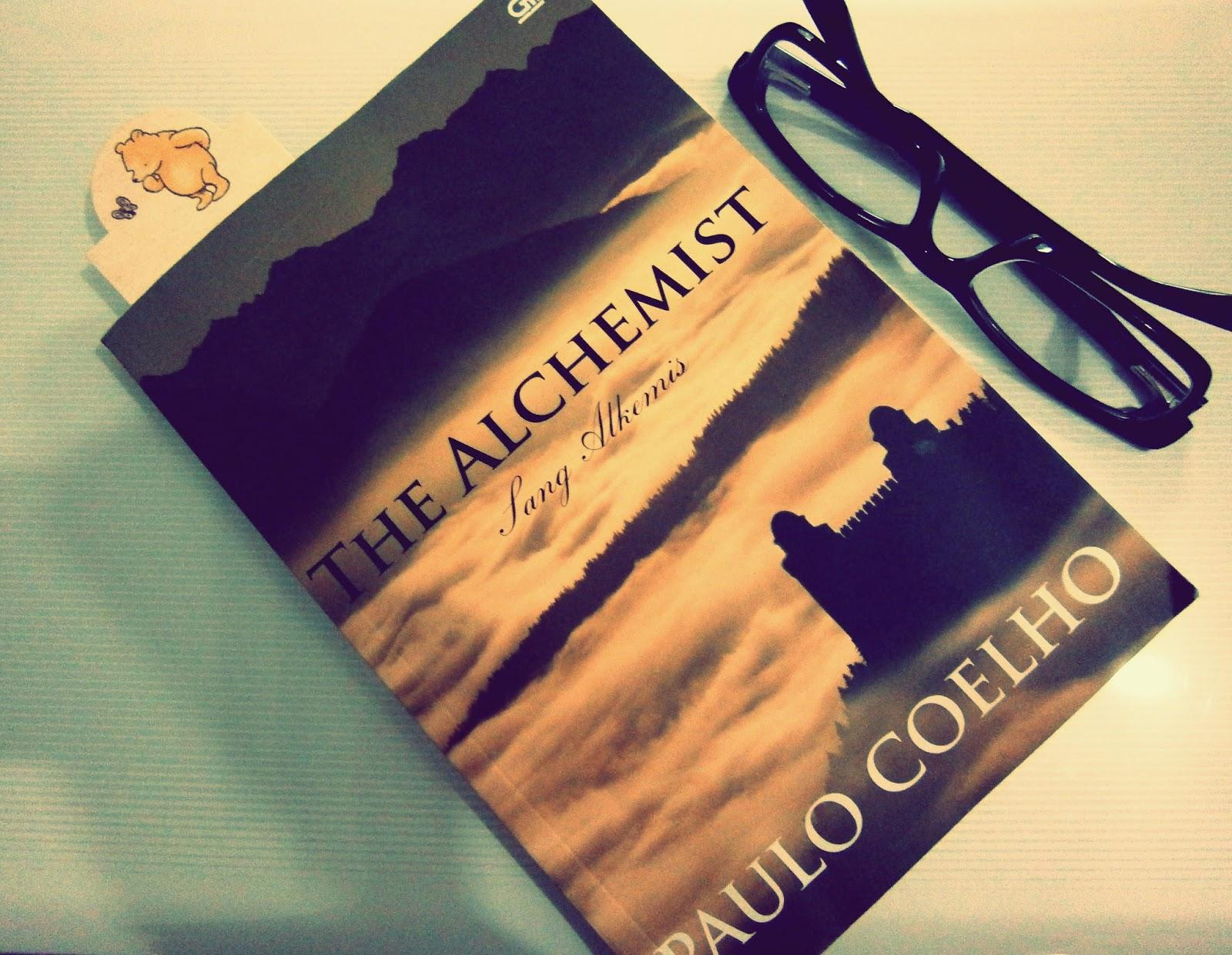 little serendipity the alchemist a book by paulo coelho gue baru aja selesai baca buku ini the alchemist sebenernya ini bukan buku baru sih terbitan aslinya o alquimista diterbitin tahun 1988 dalam bahasa