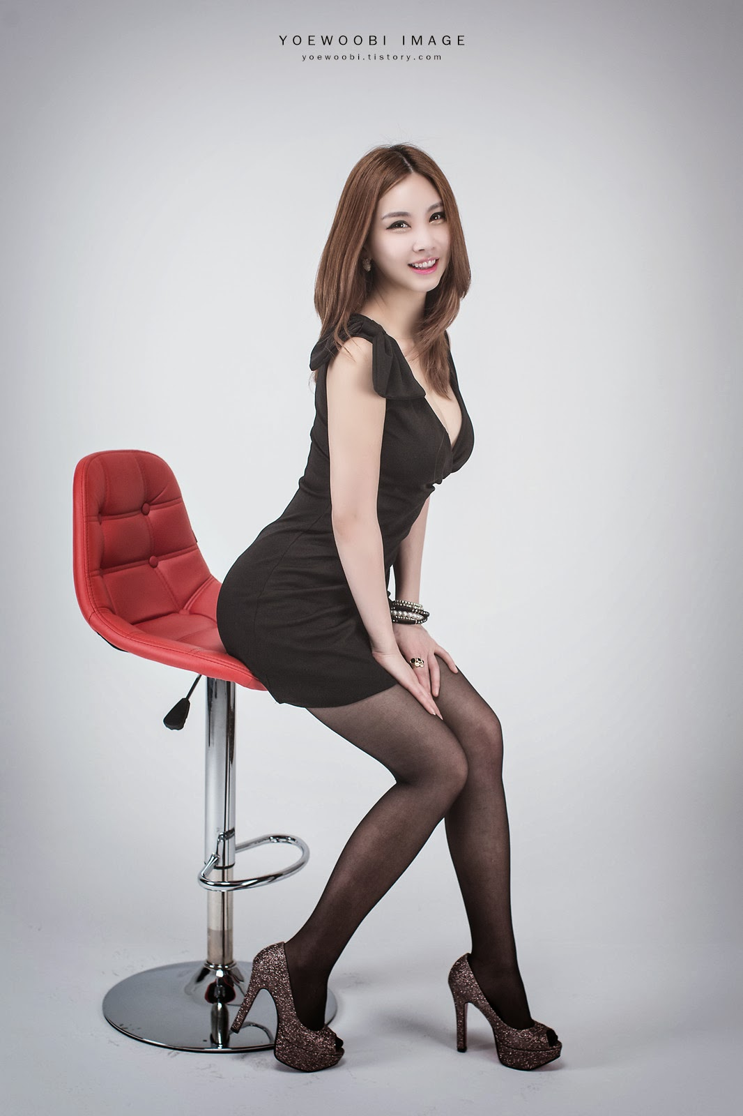 4 Lee Eun Yu - Little Black Dress - very cute asian girl-girlcute4u.blogspot.com
