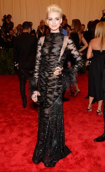 Anne Hathaway Met Gala