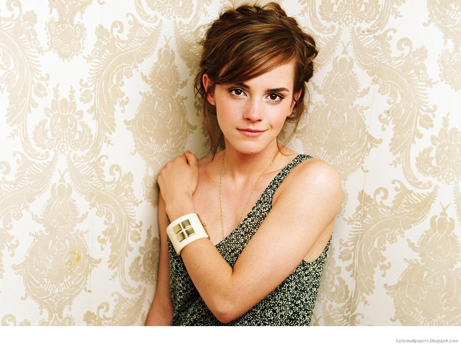 Emma Watson Bikini Wallpapers title=