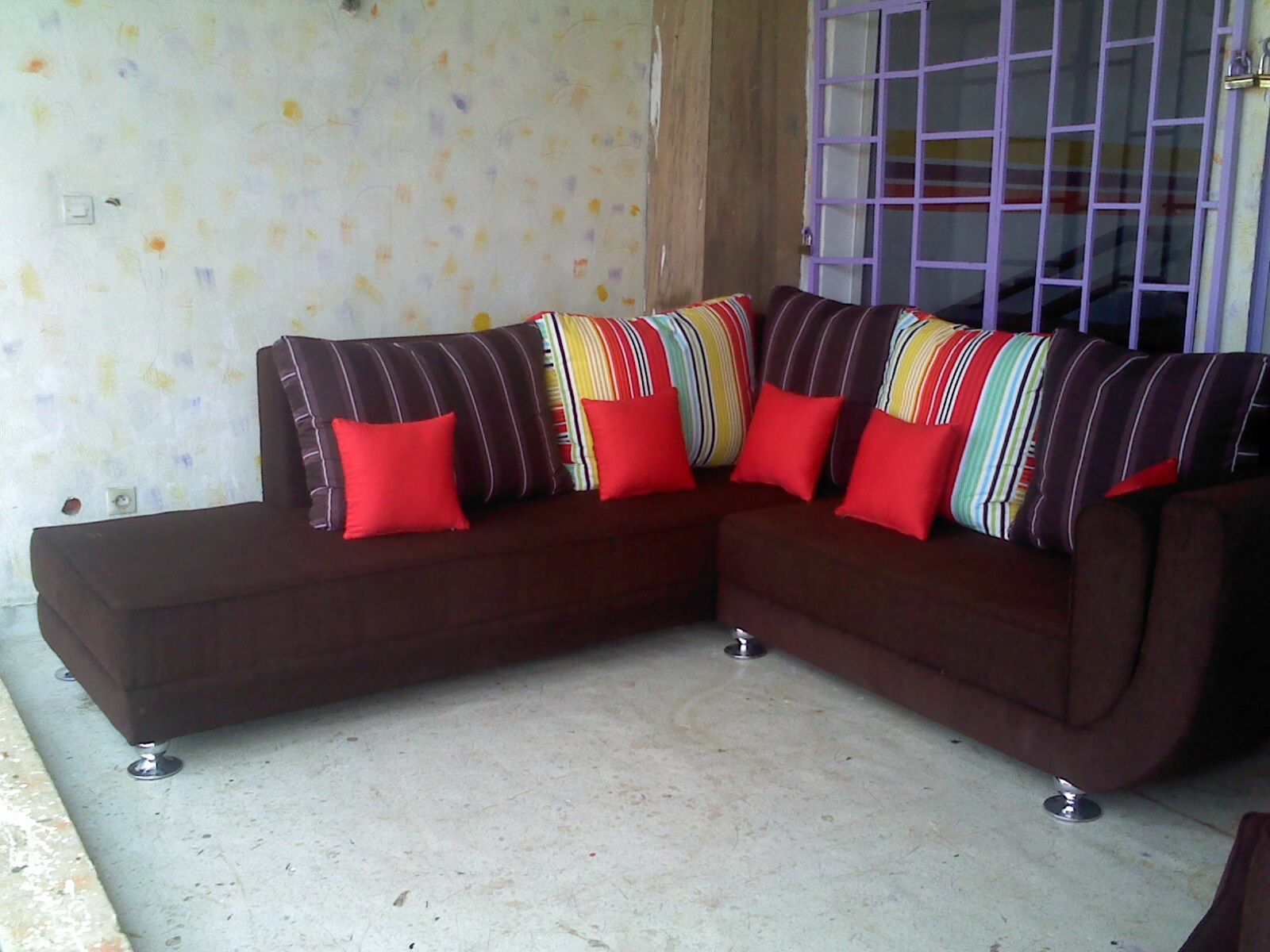Maison des meubles for Maison de meuble