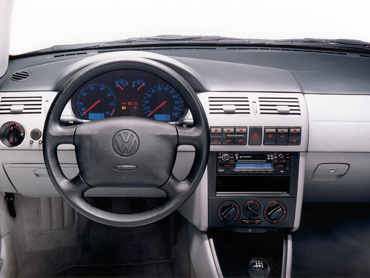 VW Gol GTI 2001 - interior