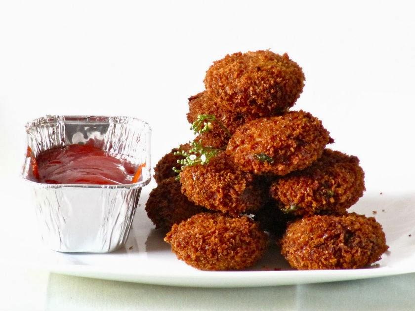 http://recipes.sandhira.com/chicken-cutlets.html