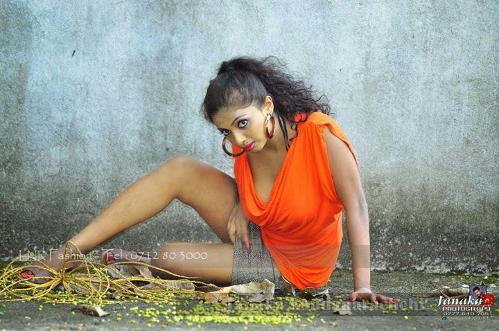 Lakshika Jayawardhana bokkuwa legs up