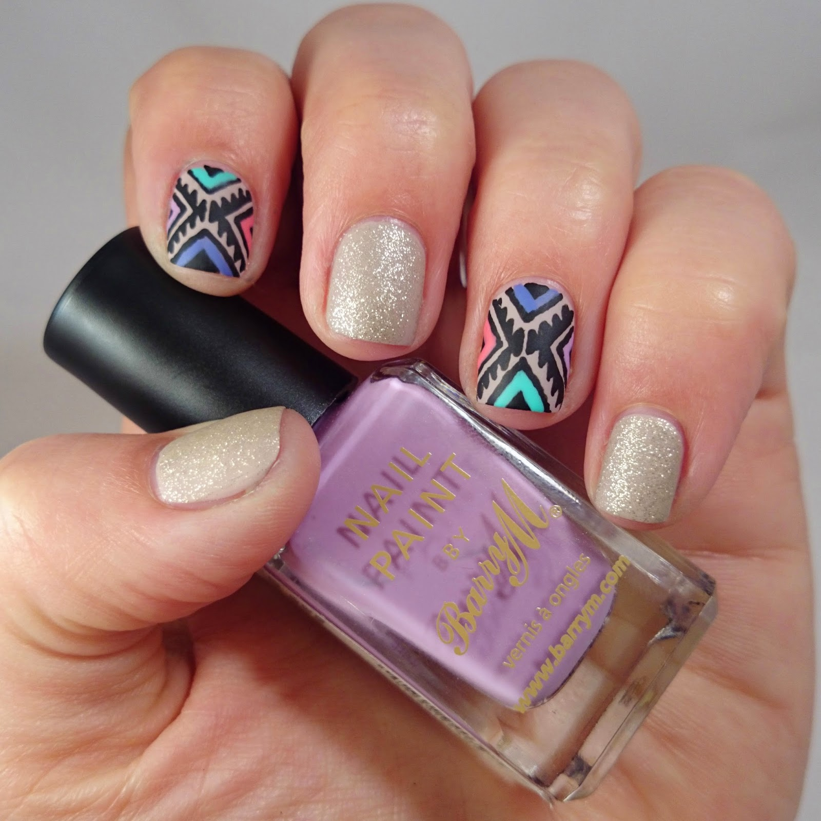 Dahlia Nails: Barry M and Bora Bora Navajo Nails