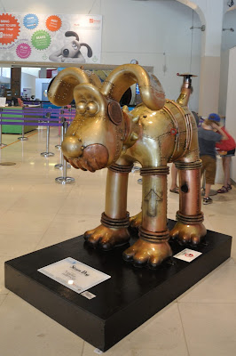 Steam Dog Gromit (side view)