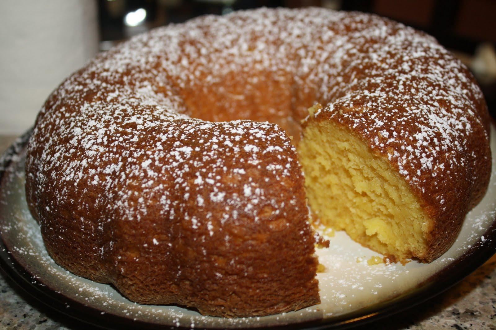 Chocolate Bundt Cake Sour Cream Pudding