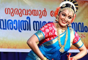 Manju Warrier performing Kuchipudi at Guruvayoor. Photo courtesy | Basheer Pattambi