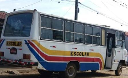 Vende-se um micro-ônibus