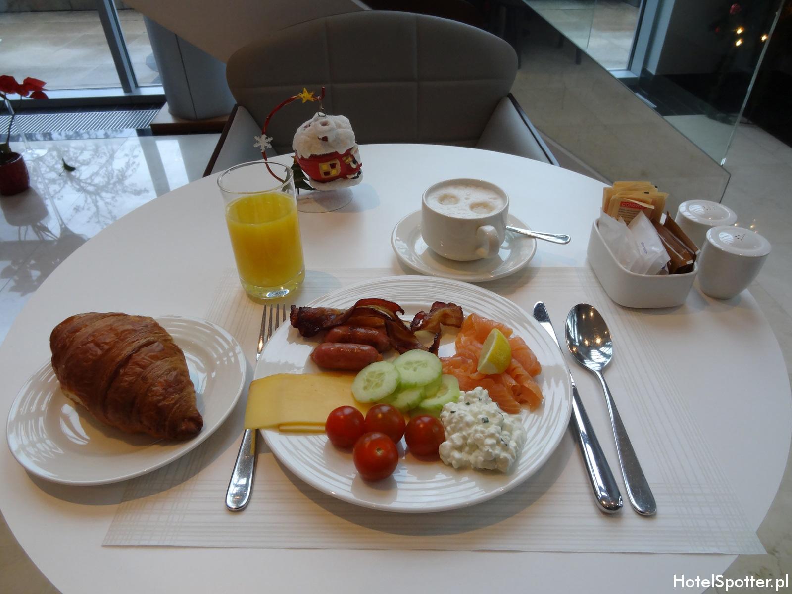 Executive Lounge w Hilton Warsaw - sniadanie 3