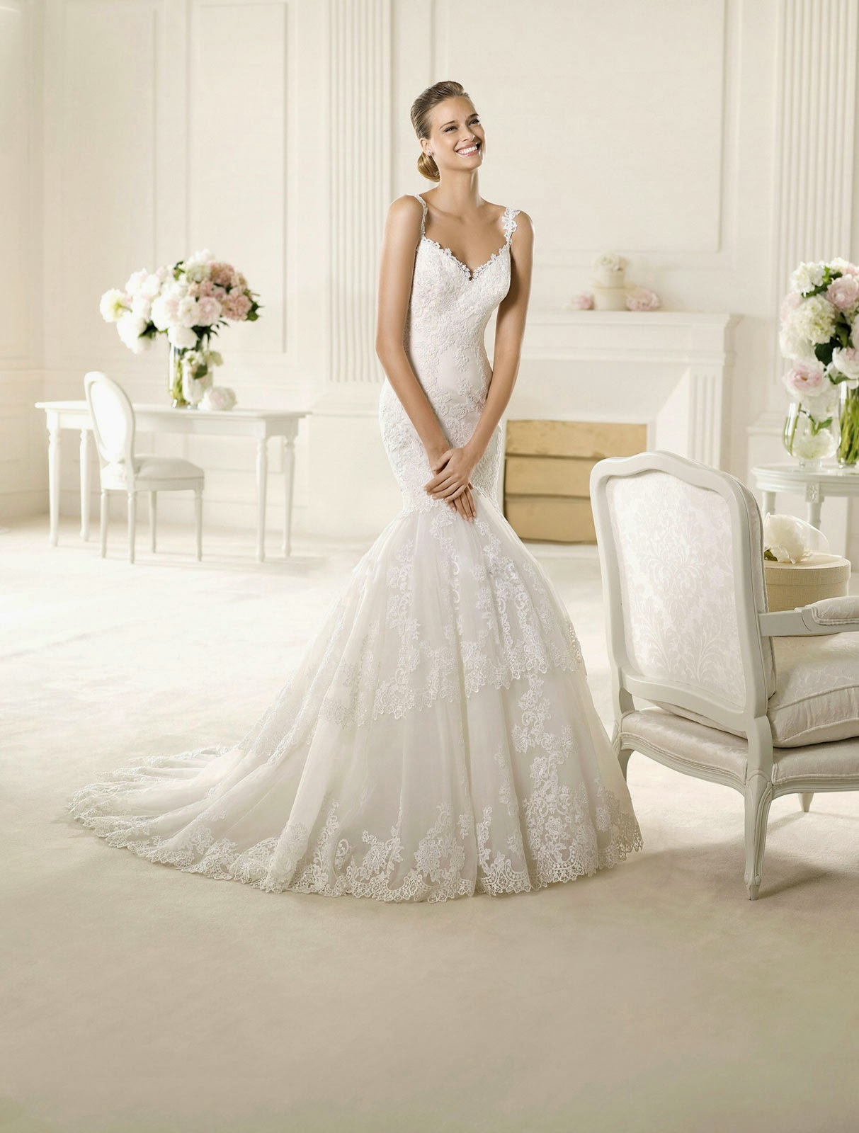 White and Ivory Wedding Dresses With Straps Design Ideas Photos HD