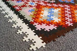 Carpete em sala de jantar pequena